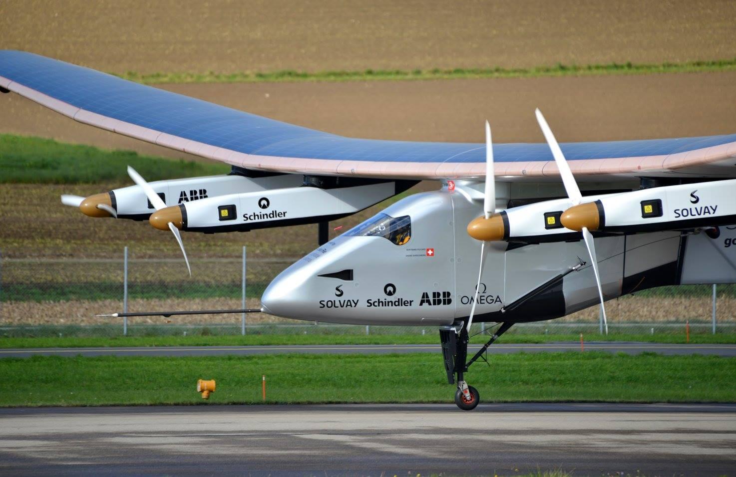 Eine Spannweite wie ein Airbus A380, ein Gewicht wie ein Mittelklassewagen, den Treibstoff direkt aus der Sonne: Solar Impulse